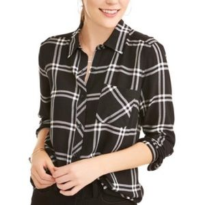 Time and Tru Black/White Woven Plaid button down